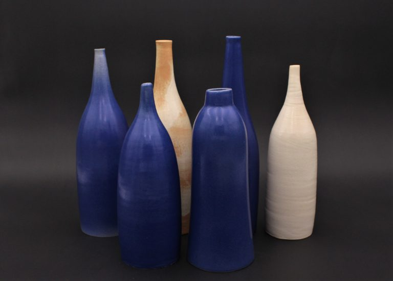 bouteilles-bleu-blanc-grés-ceramique